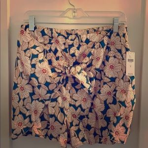 Anthropologie tie front shorts/skort.